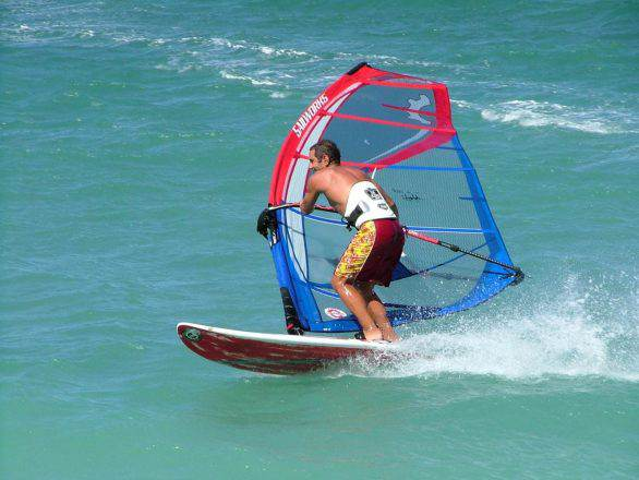 Windsurf and Kyte-surf